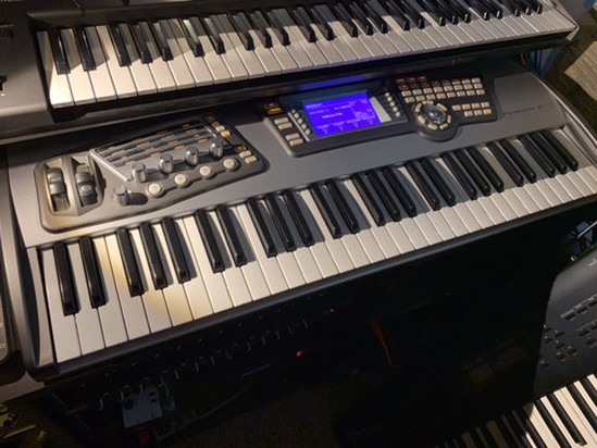 Picture of Alesis Fusion 6HD synthesizer workstation.