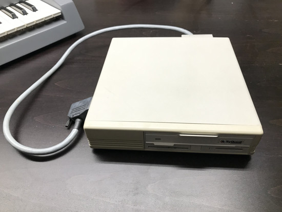 Picture of E-MU EMULATOR III Keyboard with large Library and HDD