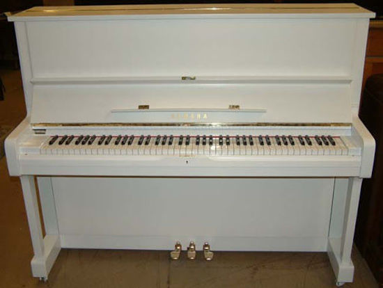 Picture of White Old Classic Piano